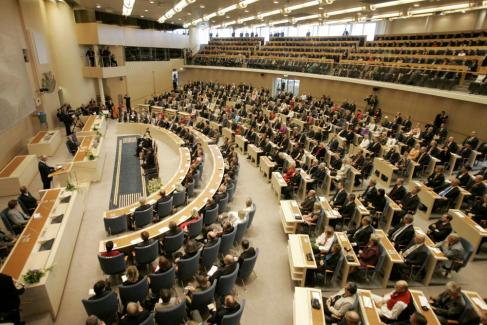 Sommestad in i riksdagen i augusti